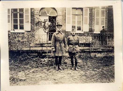 Major General O'Ryan with Col. Ward (106th Inf) in front of Division Hq, Bouchez chateau, Busigny, Oct 1918.If image fails to appear click on this area